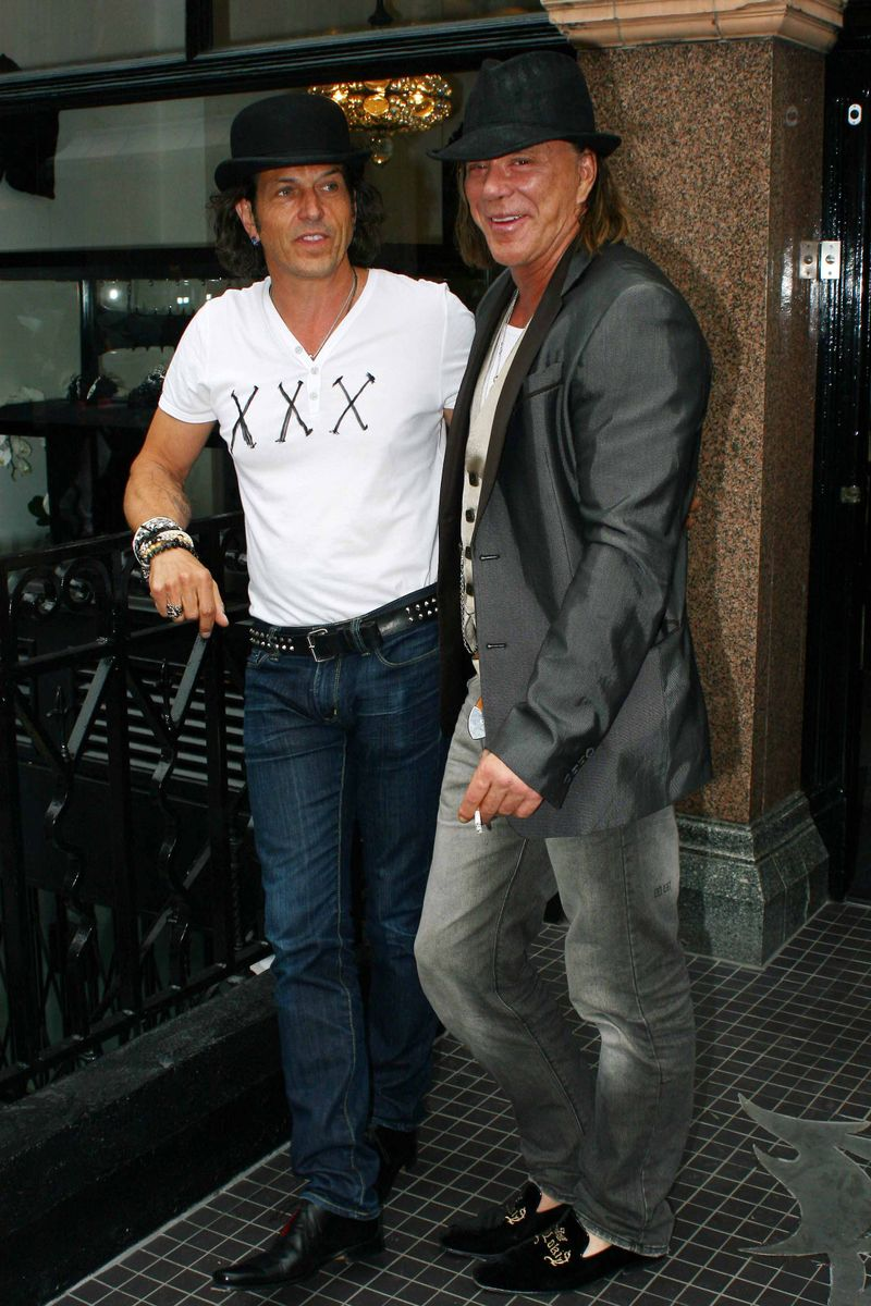 Mickey Rourke Shopping At Stephen Webster London England The Hollywood Minute