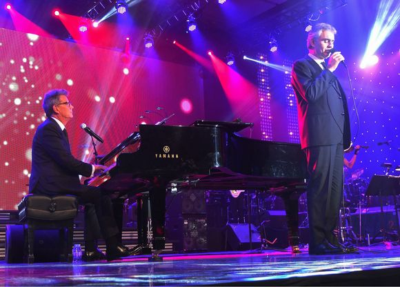 Andrea Bocelli & David Foster perform in Toronto to a sold-out crowd
